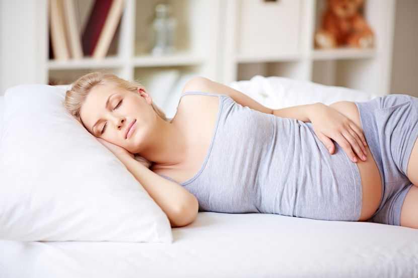 Бессонница при беременности: причины недомогания