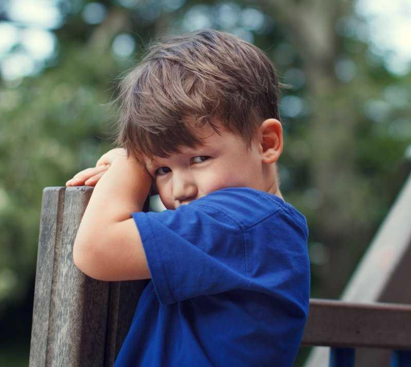 Что делать, если ребенок стеснительный