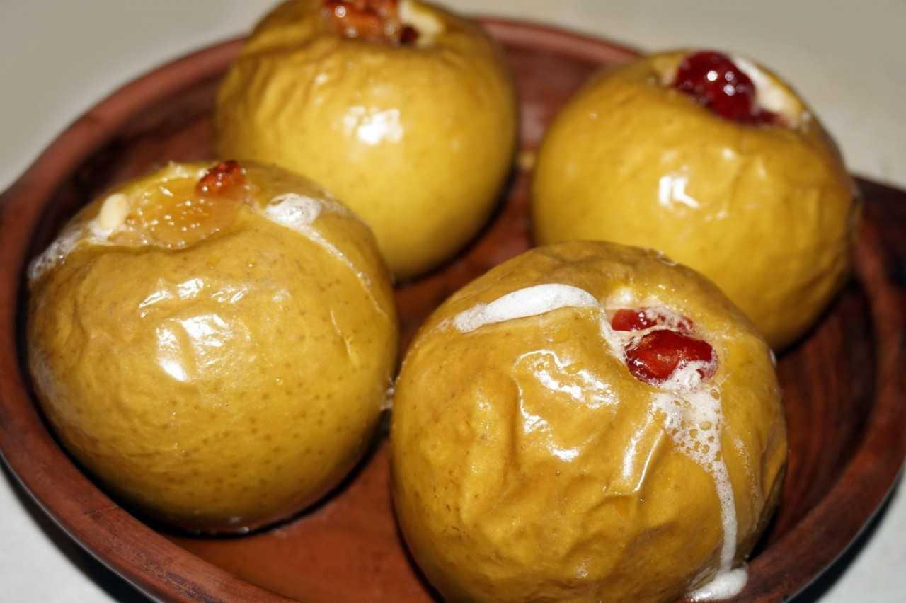 Яблоки: польза и вред для организма человека, состав, калорийность