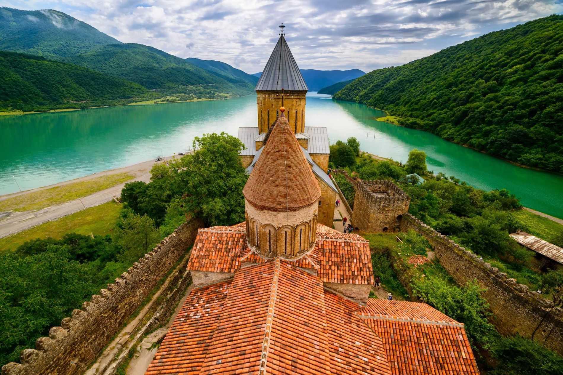 Где отдохнуть в грузии на море