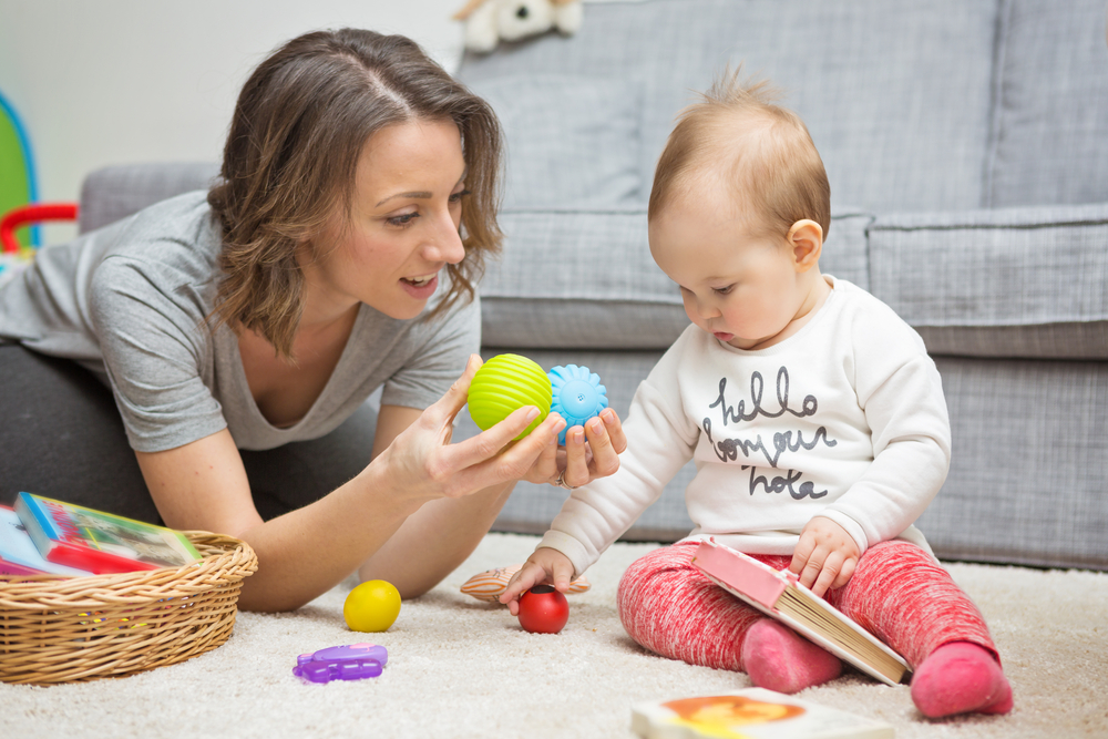 Что должен уметь ребенок в 6 месяцев | уроки для мам