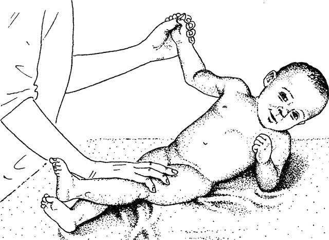 Учимся сидеть – как присаживать девочку в 6 месяцев