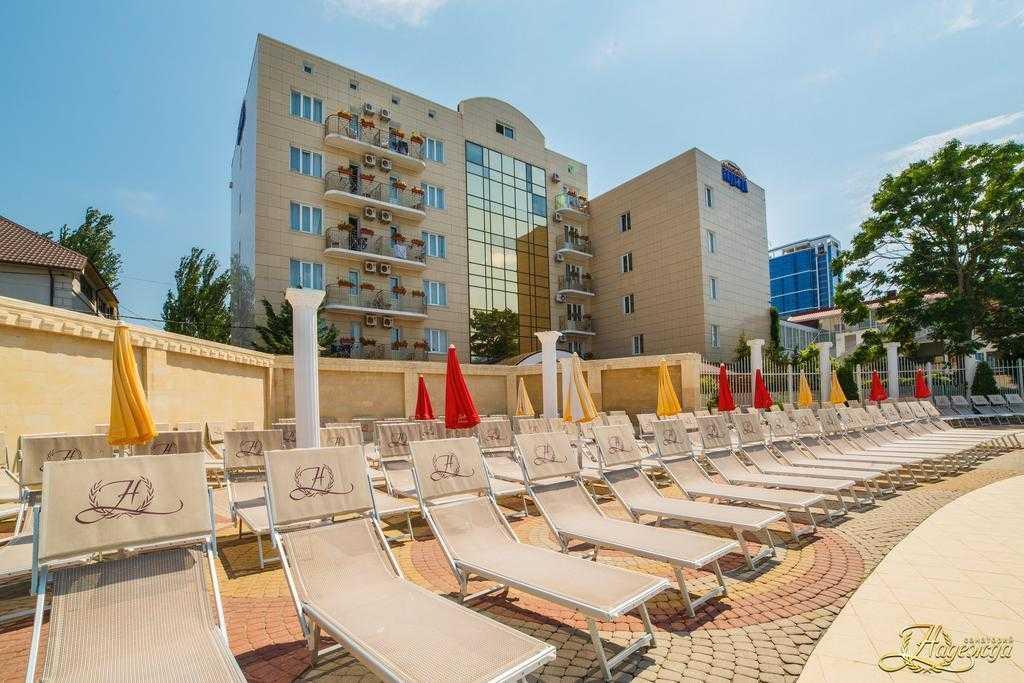 Феодосия – отдых с детьми: где отдохнуть – пансионаты с бассейном, отзывы о детском санатории «волна»