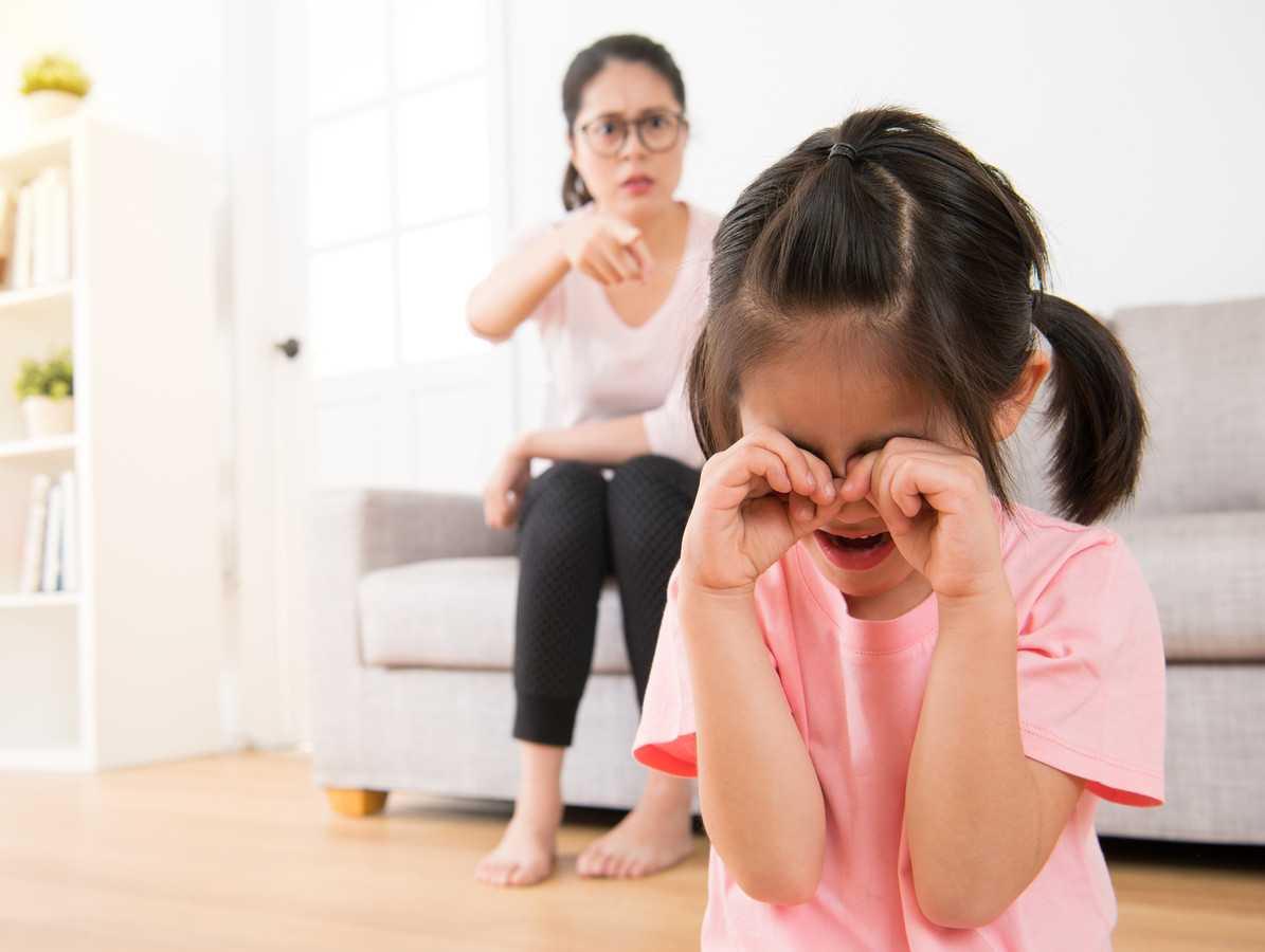 Кризис 7 лет — что делать, если ребенок не слушается?