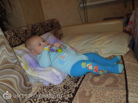 Можно ли садить мальчика в 5 месяцев?   мамина любовь