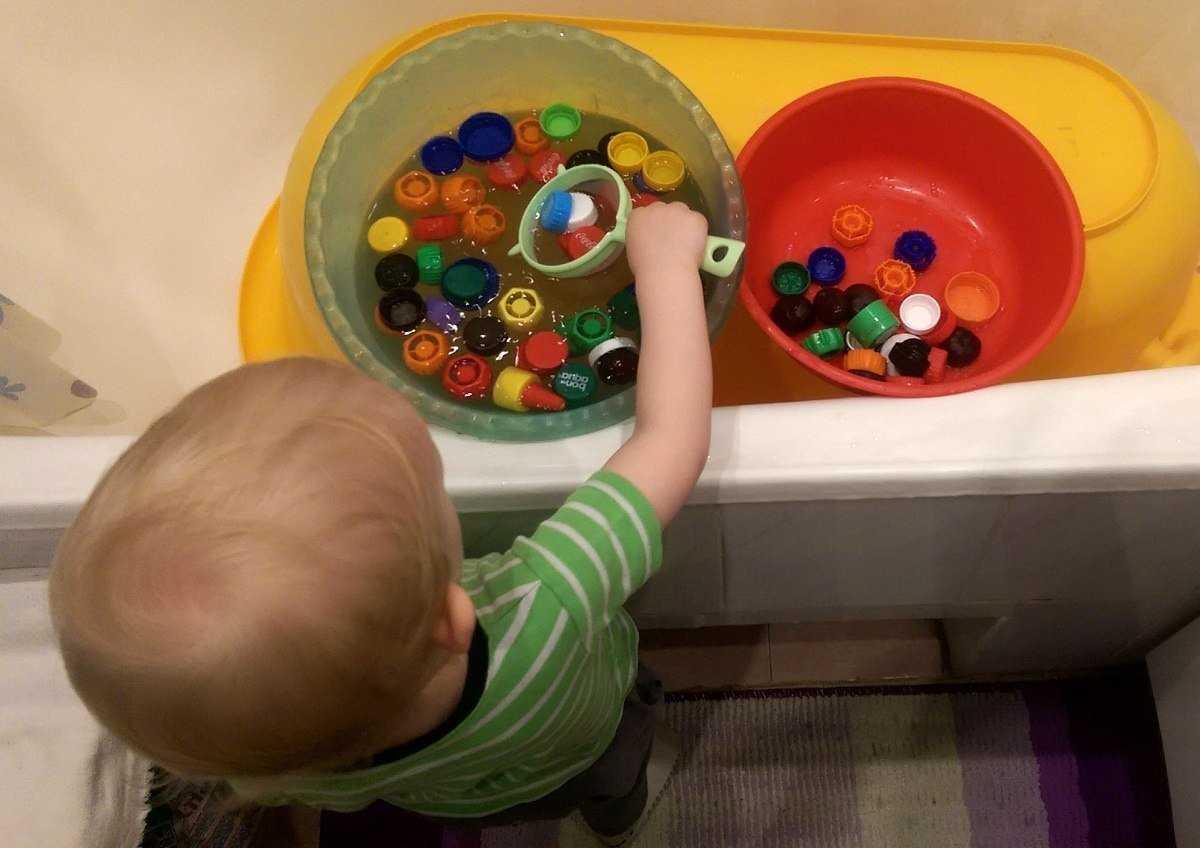Развивающие игры и занятия для детей 1 год 9 мес - 2 года (подробный план - конспект) – жили-были