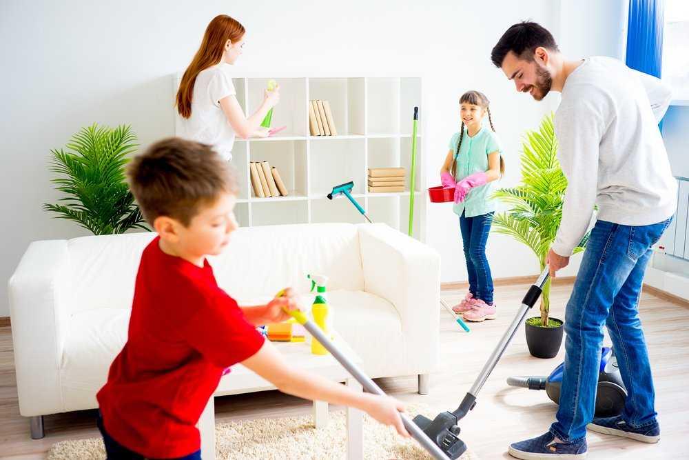 Домашние хлопоты и малыш