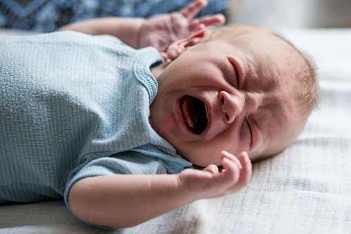 Колики у новорожденных. причины, симптомы, лечение и профилактика колик | здоровье детей