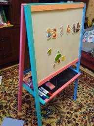 Магнитно-маркерный двухсторонний детский мольберт: деревянная доска ikea для рисования маркером и мелом