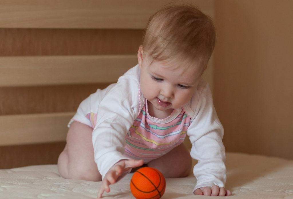 Как развивать ребенка на 4 месяце жизни