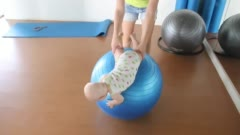 Упражнения на фитболе для грудничков 3 месяца