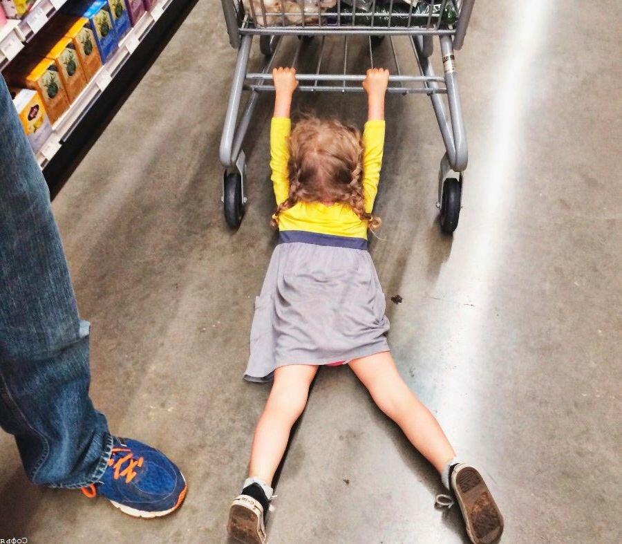 Собака и хвост: кто кем виляет и что делать, если ребенок манипулирует родителями?