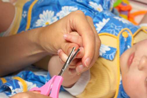 Рекомендации о том, как стричь ногти ребенку