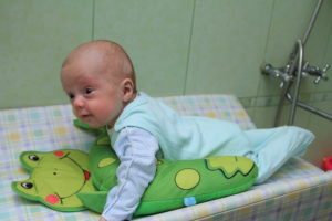 Когда и как присаживать ребенка: практическое руководство для родителей мальчиков и девочек