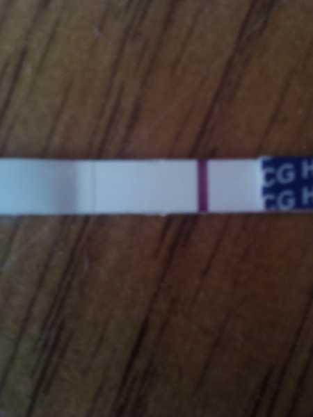 Вторая слабая полоска на тесте: беременность есть или нет?