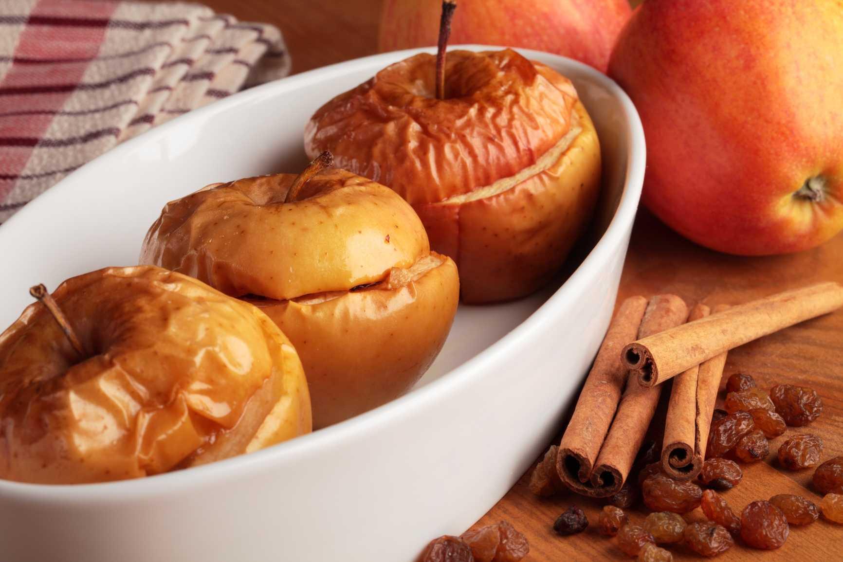 14 полезных свойств печеных яблок. правила употребления