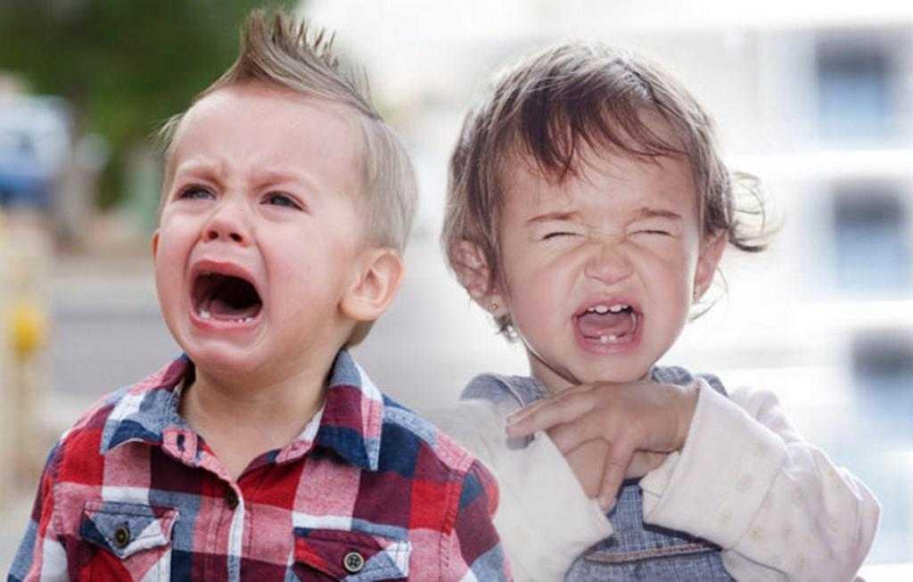 Как успокоить плачущего ребенка: советы маме