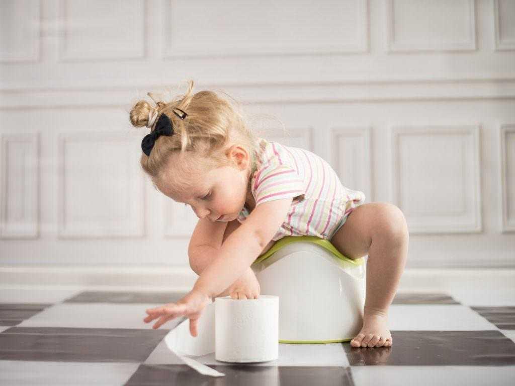 Как приучить ребёнка к горшку: 5 ошибок которые, нельзя совершать родителям!