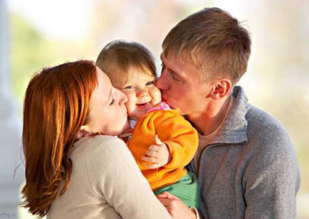 Мамин малыш: психология отношений до года