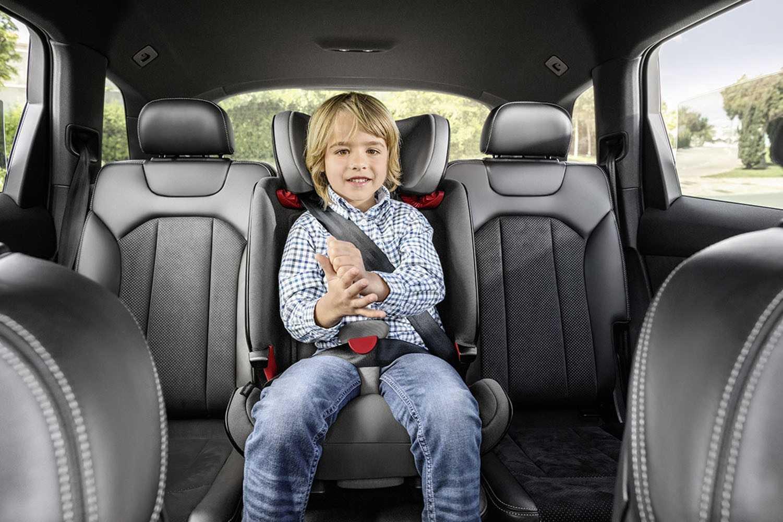 Как правильно выбрать детское кресло в автомобиль в 2017 году: лучшее для всех возврастов по тестам