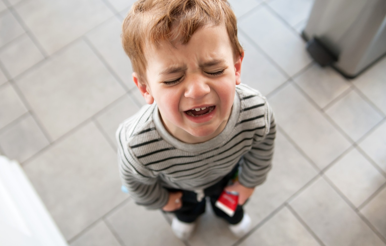 15 способов успокоить ребенка. как успокоить ребенка при истерике