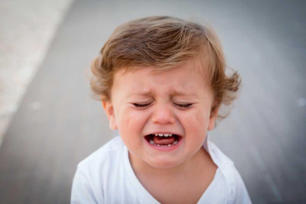 Как успокоить ребенка во время истерики: