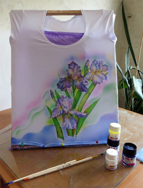 Акриловые краски для ткани: тонкости выбора, сколько сохнет, инструменты для работы и техника росписи
