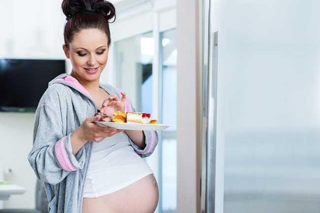 Что нельзя беременным в первом триместре, втором, третьем, делать и кушать, список запретов