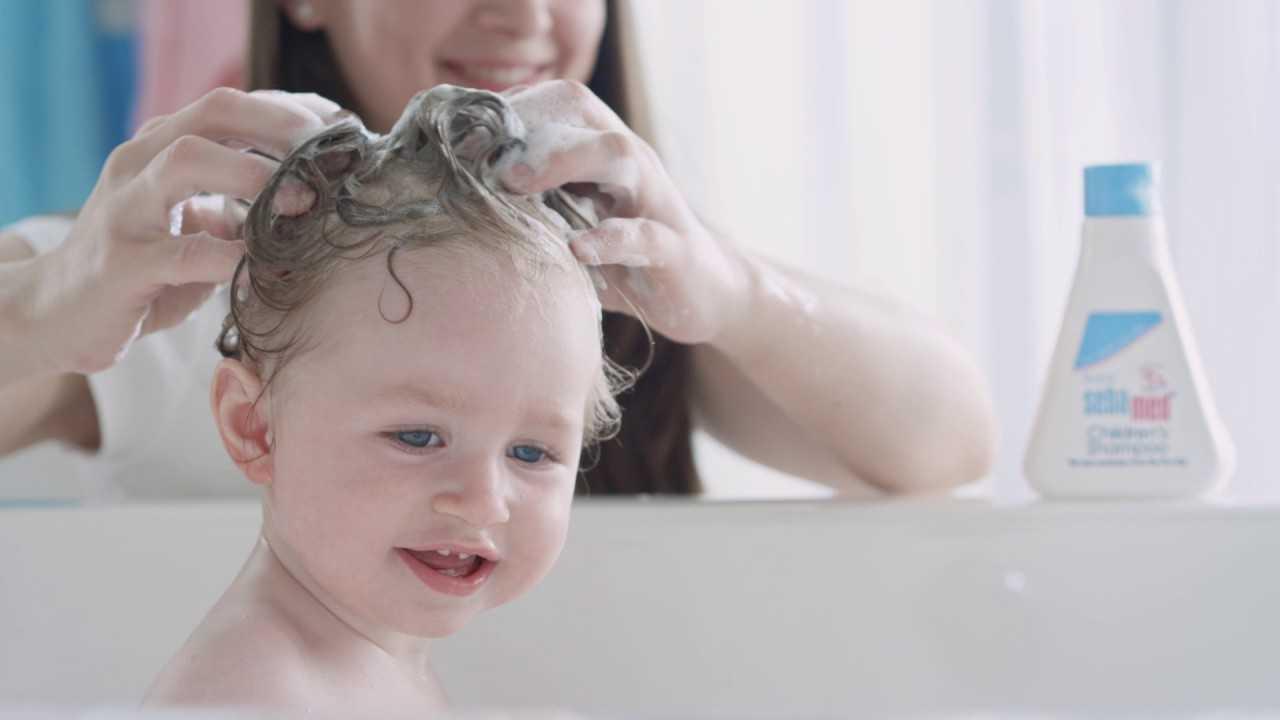 Можно ли мыть голову детским шампунем взрослому: рекомендации и советы