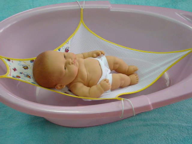 5 лучших гамаков для купания новорожденных — рейтинг 2019