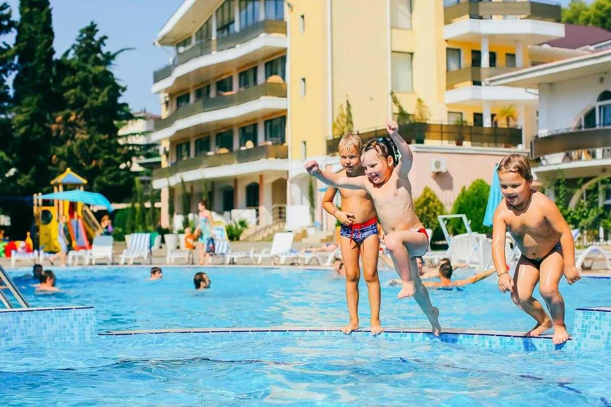 Лучшие отели крыма для отдыха с детьми, какой курорт выбрать, обзор курортов, отели все включено