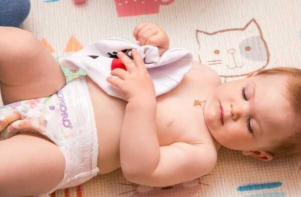 Как приучить ребенка спать без подгузника