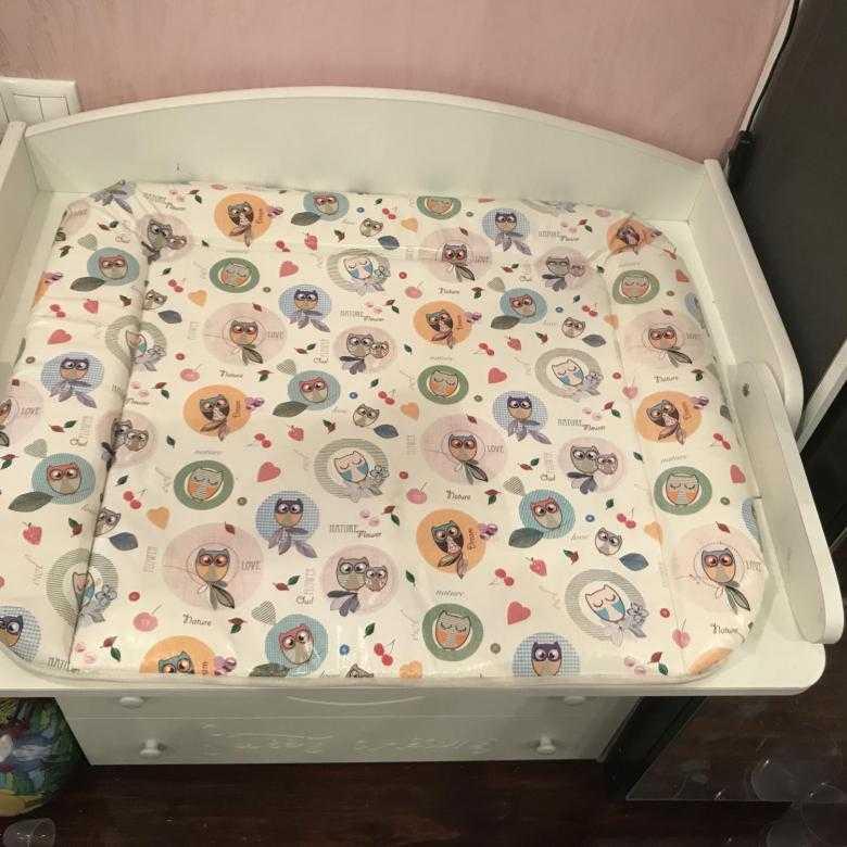 Матрас для пеленального столика: виды для новорожденных