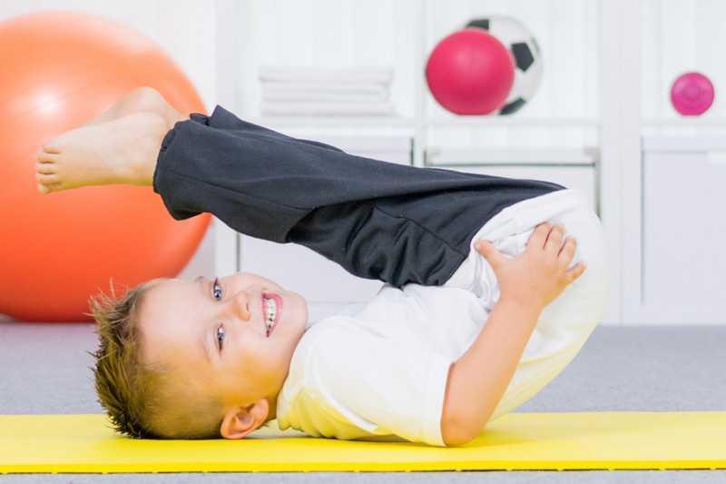 Лфк для грудничков: цели, правила проведения, особенности гимнастики