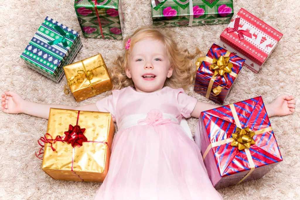 Что подарить на 12 лет девочке на день рождения: топ-30 отличных идей