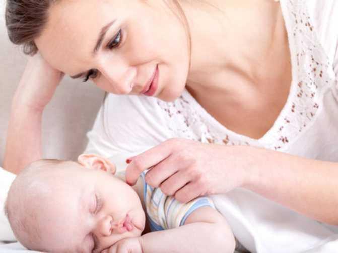 Делать новорожденный кряхтит тужится