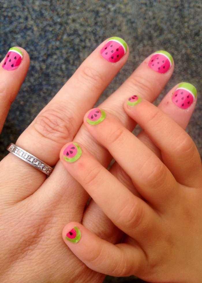 Со скольки лет можно наращивать ногти?