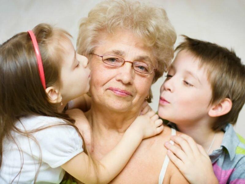 Нужно ли баловать детей и как правильно это делать родителям, бабушкам и дедушкам ❗️☘️ ( ͡ʘ ͜ʖ ͡ʘ)