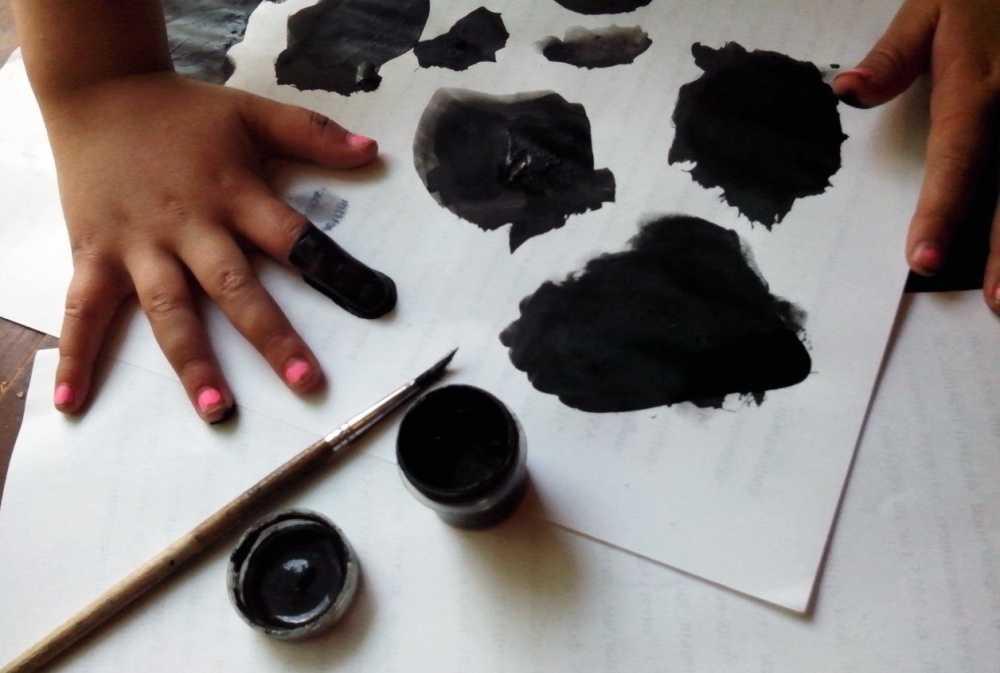 Почему ребенок рисует черными красками психолог