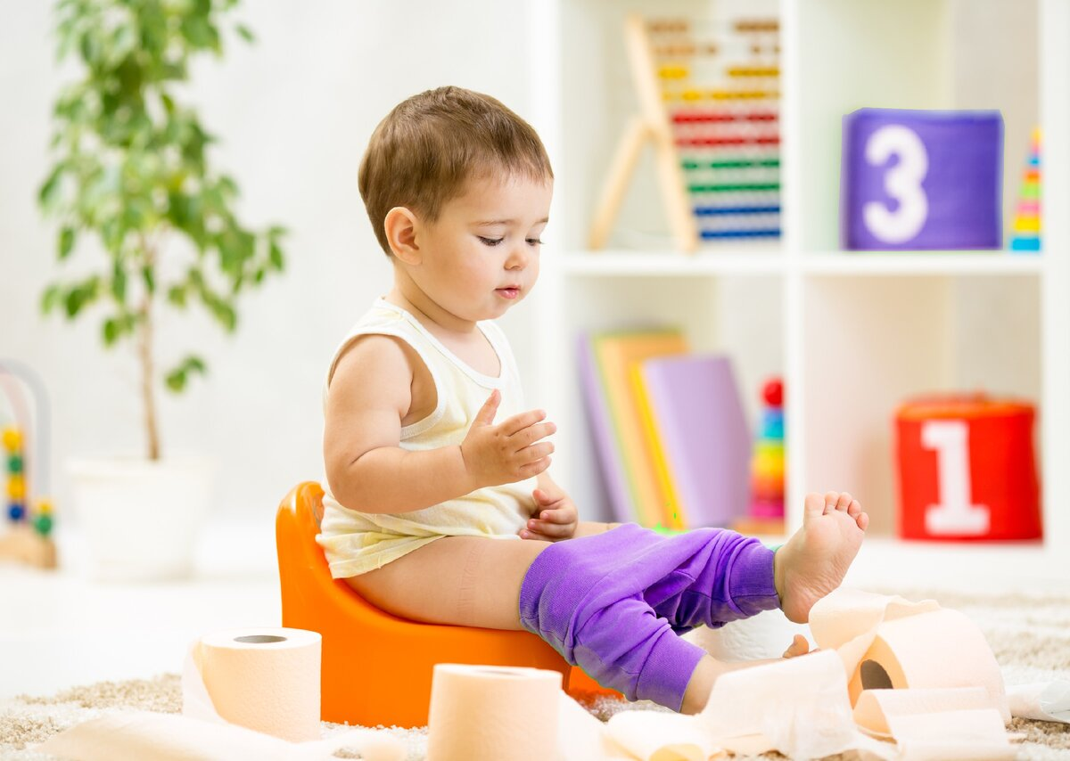 Как приучить мальчика к горшку? как научить мальчика писать стоя и как приучить ребенка в 8 месяцев использовать горшок