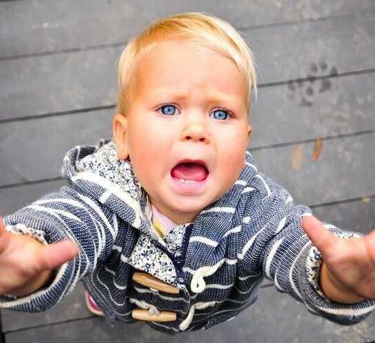 Ребенок не отпускает маму: что делать? как научить ребенка расставаться с мамой