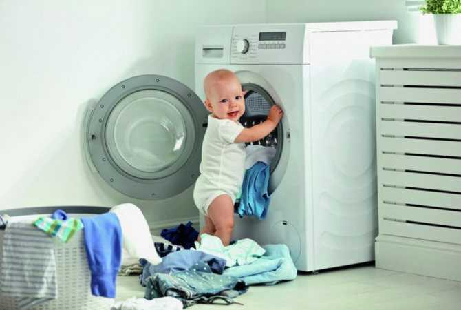 Как правильно ухаживать за детской одеждой: познаем подробно