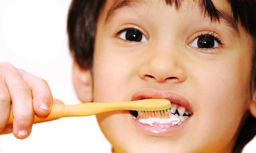 Как правильно научить маленького ребенка чистить зубы. 12 эффективных способов приучить ребенка чистить зубы
