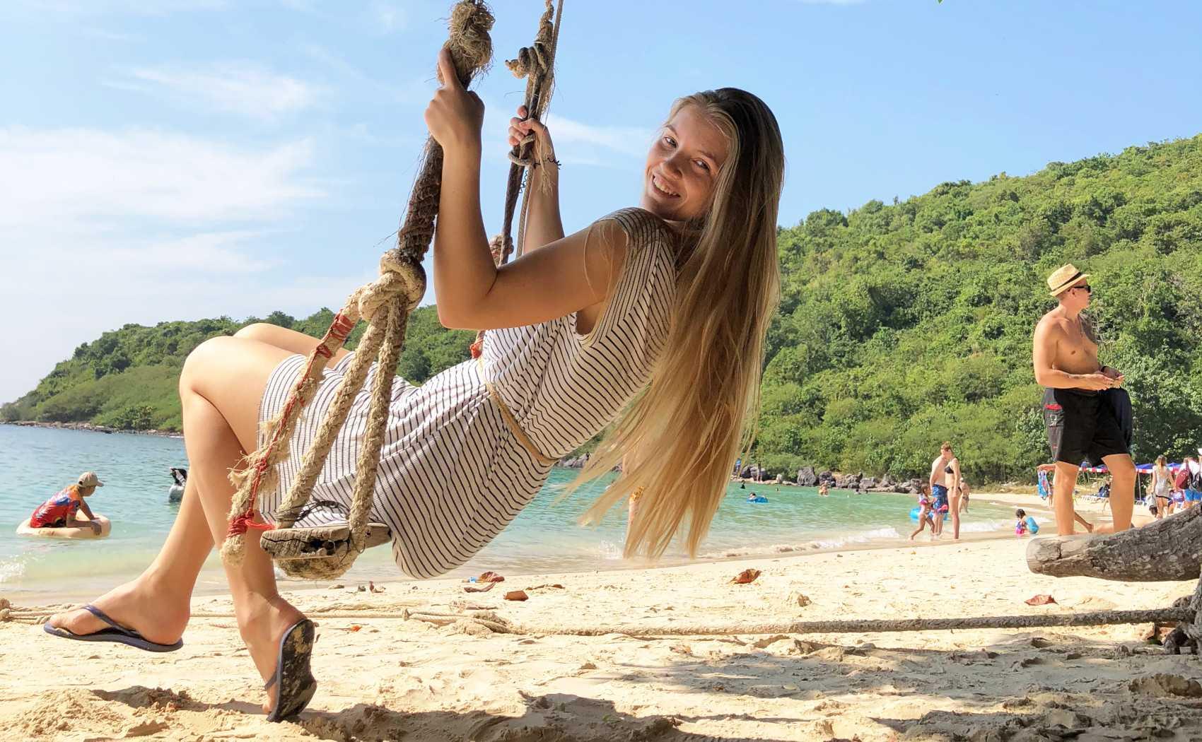 Куда поехать в октябре на море – 8 мест для пляжного отдыха