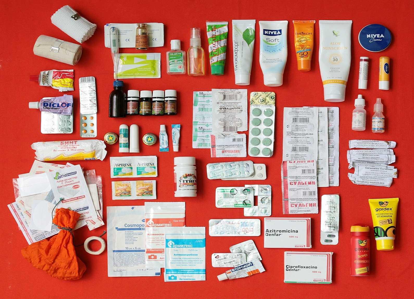 Собираем домашнюю и дорожную аптечку в поездку с ребёнком