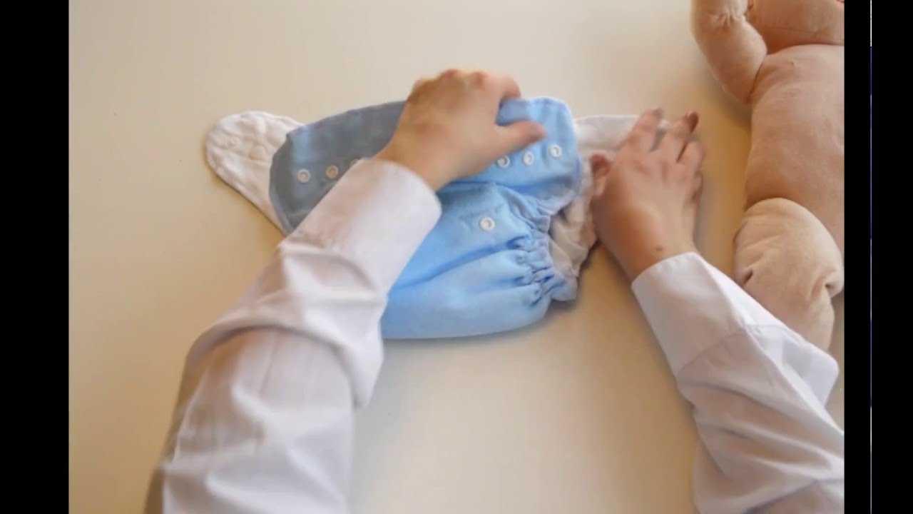 Как быстро поменять подгузник лежачему больному: секреты ухода от профессионалов