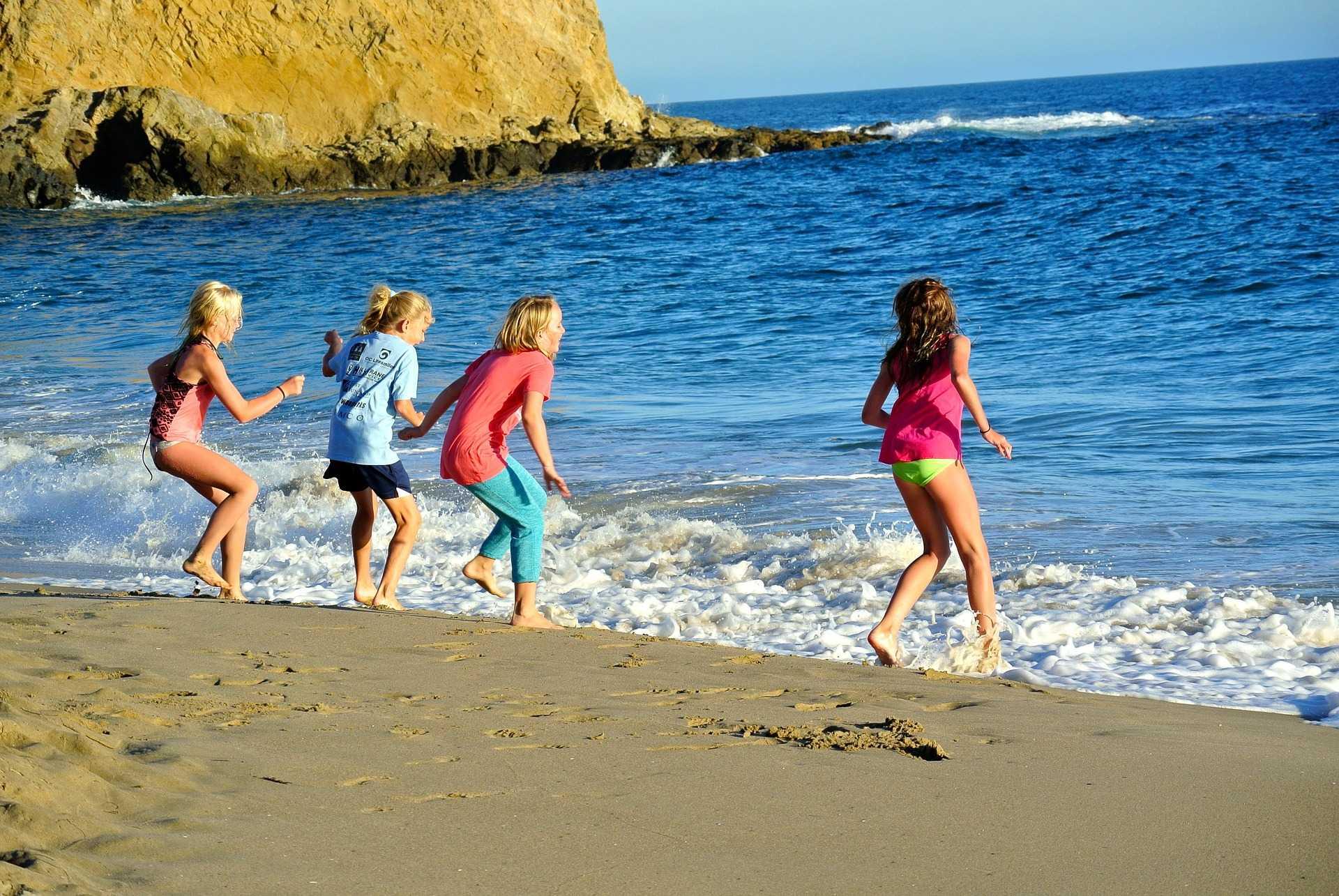 Отдых в ейске с детьми в 2020 году: пляжи, развлечения, размещение и цены | новости