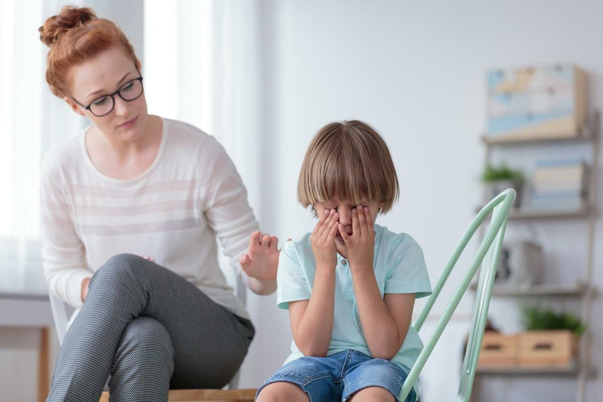 Что нельзя делать родителям, когда ребенок ведет себя невыносимо?