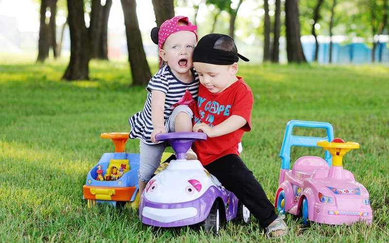 Ребёнок жадничает: причины и рекомендации для родителей