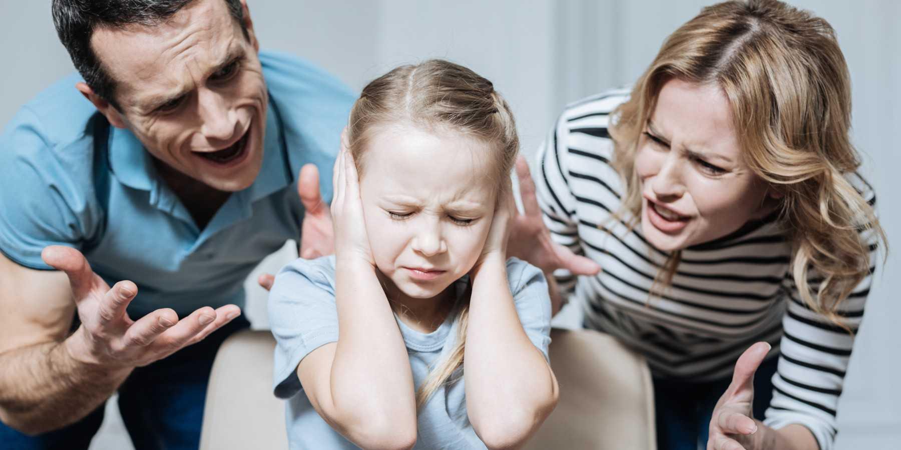 Топ-10 ужасных фраз родителей, которые нельзя говорить детям